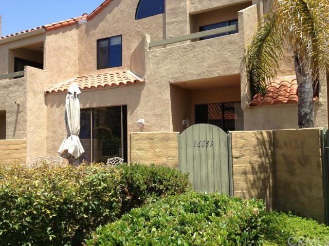 16059 Crete Lane, Huntington Beach, CA 92649