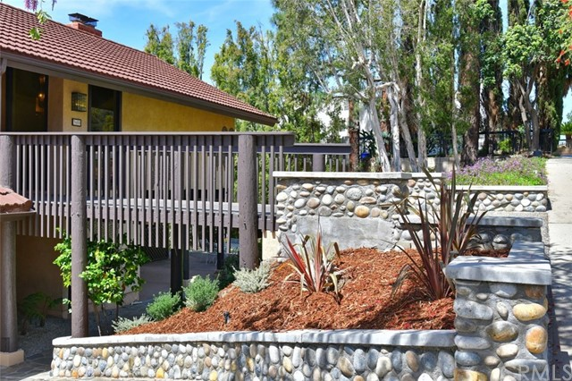 3680 Ranch Top Rd, Pasadena, CA 91107 Photo 3