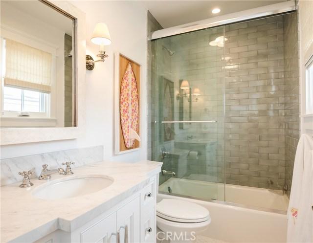337 7th Street, Manhattan Beach, California 90266, 5 Bedrooms Bedrooms, ,5 BathroomsBathrooms,For Sale,7th,SB20203824