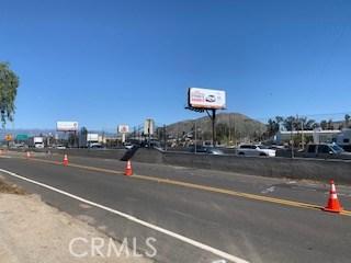 101 W La Cadena Drive, Riverside, CA 92501