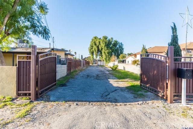 10861 Nettleton Street, Sun Valley, CA 91352