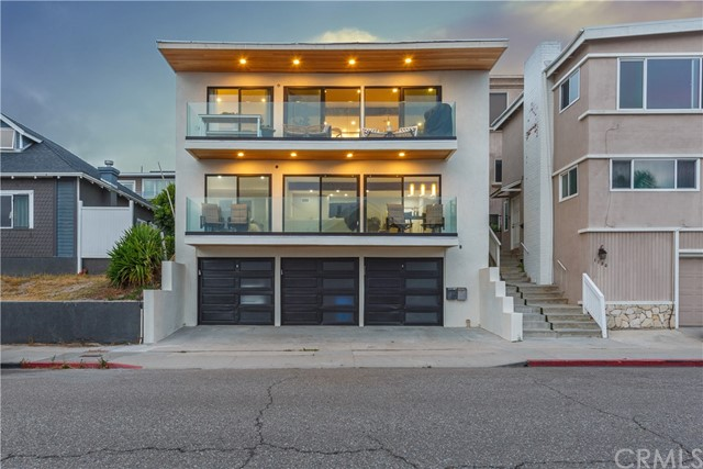 1126 Manhattan Avenue, Hermosa Beach, California 90254, 6 Bedrooms Bedrooms, ,4 BathroomsBathrooms,For Sale,Manhattan,OC20125960