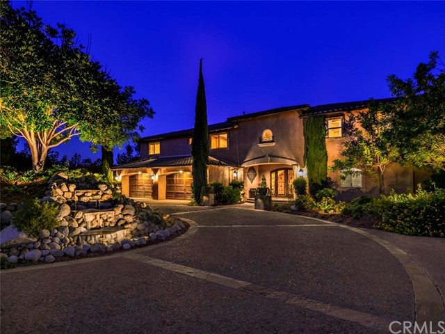 2704 Via Rancheros, Fallbrook, CA 92028