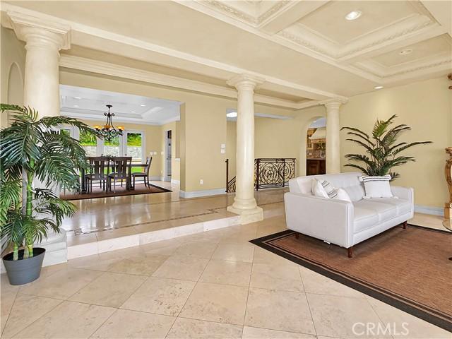 8. 1012 Via Mirabel Palos Verdes Estates, CA 90274