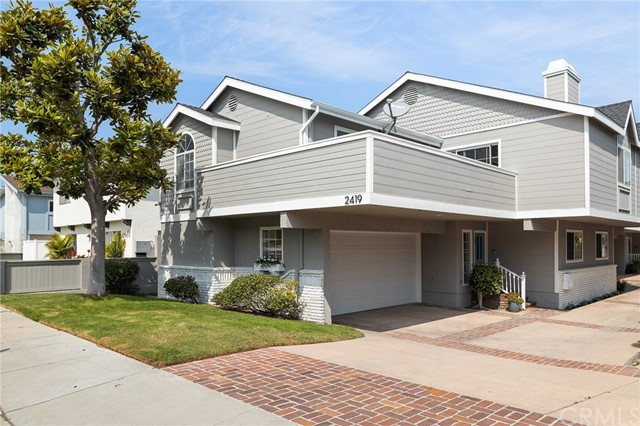2419 Mathews Avenue 1, Redondo Beach, California 90278, 3 Bedrooms Bedrooms, ,2 BathroomsBathrooms,For Sale,Mathews,SB20196169