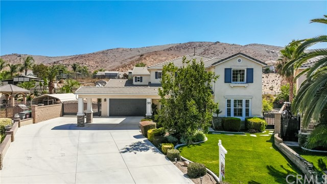 110 Headstall Court, Norco, CA 92860