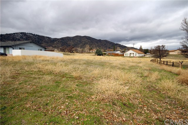 20821 Country Club Drive, Tehachapi, CA 93561