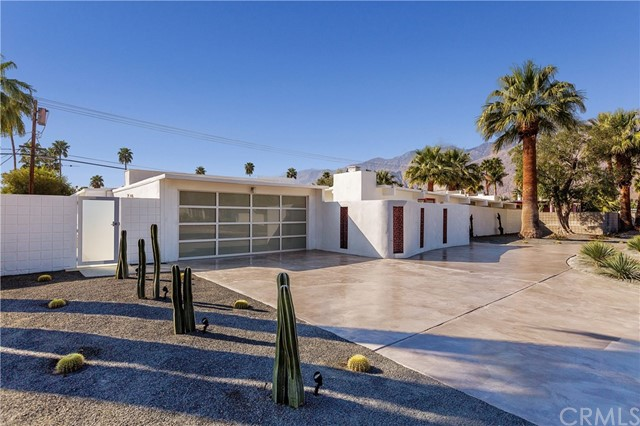 2225 E Andreas Road, Palm Springs, CA 92262