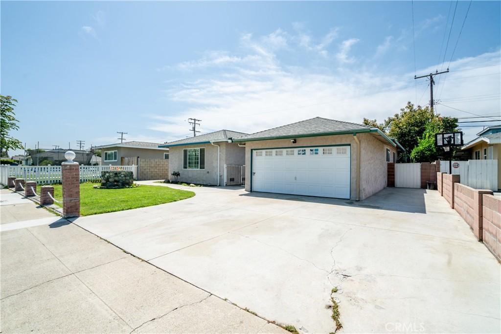 1252   E Kenwood Avenue, Anaheim CA 92805