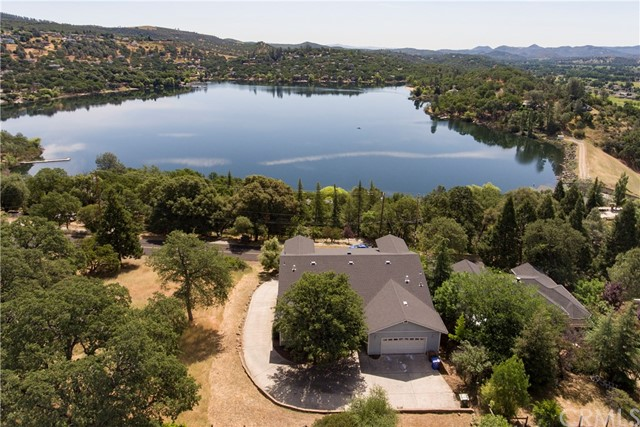 Photo of 16940 Knollview Drive, Hidden Valley Lake, CA 95467