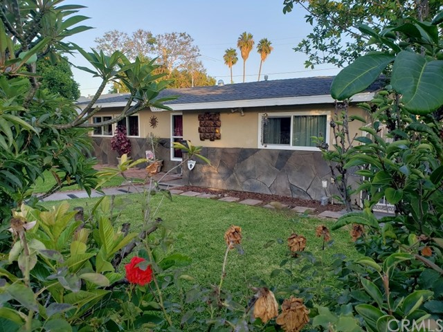 Elegant and cozy home with open floor plan with 4 bedrooms, 3 baths single story home . Awesome back yard with pool and waterfalls, so close to Disneyland you can see the fireworks from the pool area! This is big home 1,927 sqft home one story, no stairs !