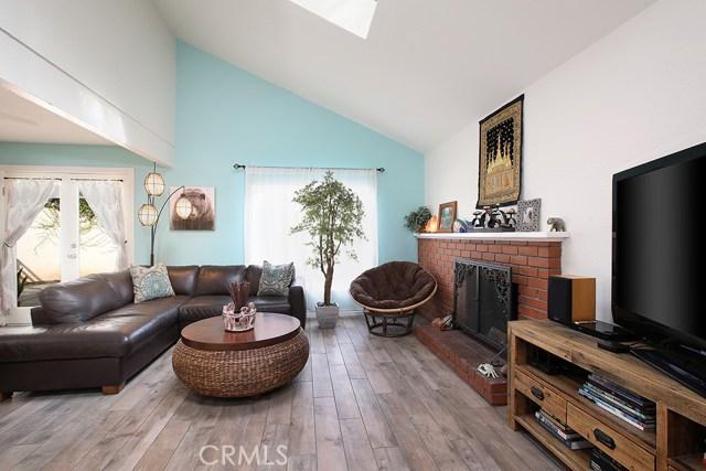 978 Trabuco Circle, Costa Mesa, CA 92627