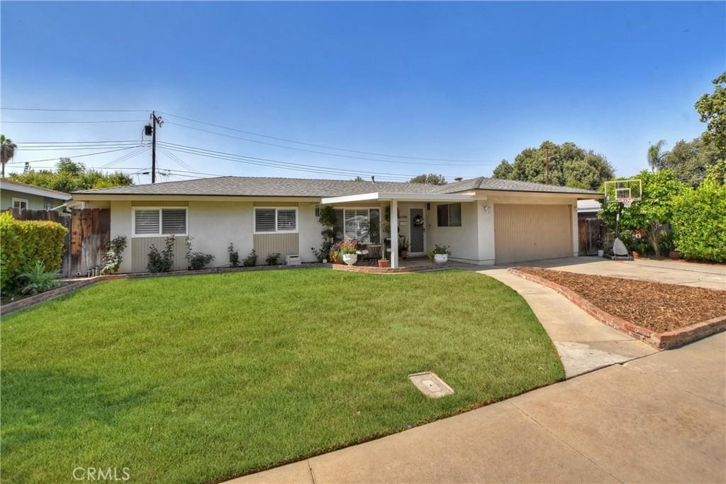 229     Phlox Avenue, Redlands CA 92373