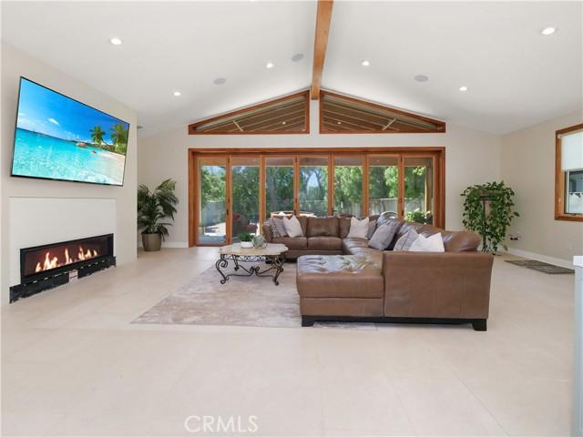 10. 19 Dapplegray Lane Rolling Hills Estates, CA 90274
