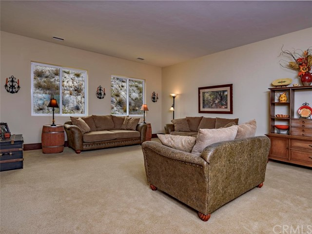 42251 Altanos Rd, Temecula, CA 92592 Photo 15