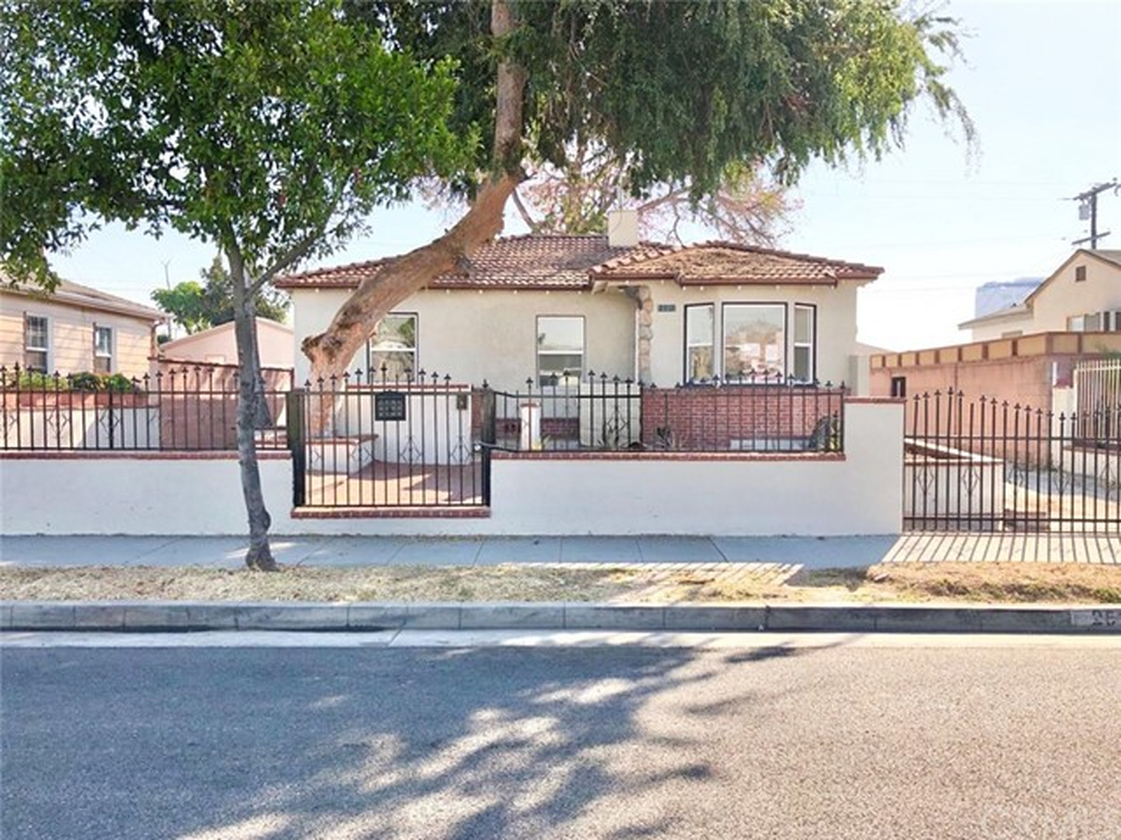 2512 Leo Avenue, Los Angeles, CA 90040
