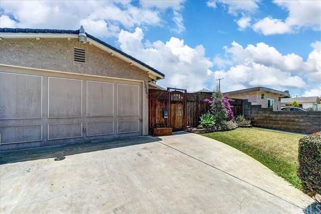 Nice quiet area of Norwalk. Close to freeways, schools, parks and stores. This house features 3 bedrooms and 2 baths. Garage has been converted to living space.  This house has lots of potential. Needs some cosmetic work. Front patio and yard.