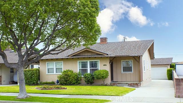 130 E Greenwood Ave, La Habra, CA 90631
