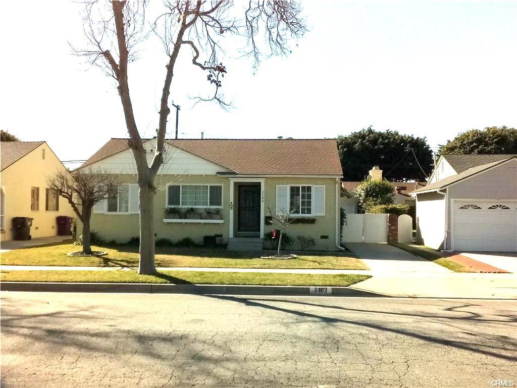 7102 E Parkcrest Street, Long Beach, CA 90808