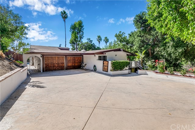 2423 S Buenos Aires Drive, Covina, CA 91724