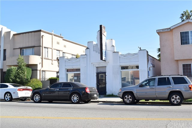3016 Vernon Avenue, Los Angeles, CA 90008