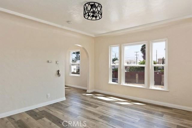 817 W 90th Street, Los Angeles, CA 90044