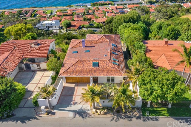 1661 Via Arriba, Palos Verdes Estates, California 90274, 4 Bedrooms Bedrooms, ,3 BathroomsBathrooms,For Sale,Via Arriba,SB20096451