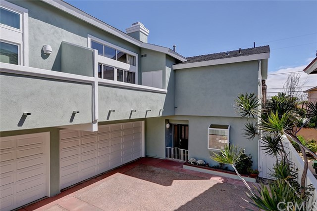 2206 Manhattan Beach Boulevard, Redondo Beach, California 90278, 3 Bedrooms Bedrooms, ,2 BathroomsBathrooms,Townhouse,For Sale,Manhattan Beach,SB19087980