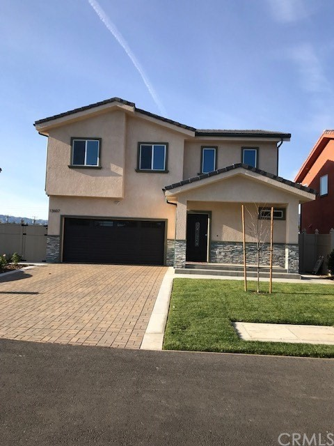 13607 W Silva Ln, San Fernando, CA 91340