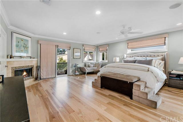 540 24th Place, Hermosa Beach, California 90254, 4 Bedrooms Bedrooms, ,4 BathroomsBathrooms,For Sale,24th,SB21003318