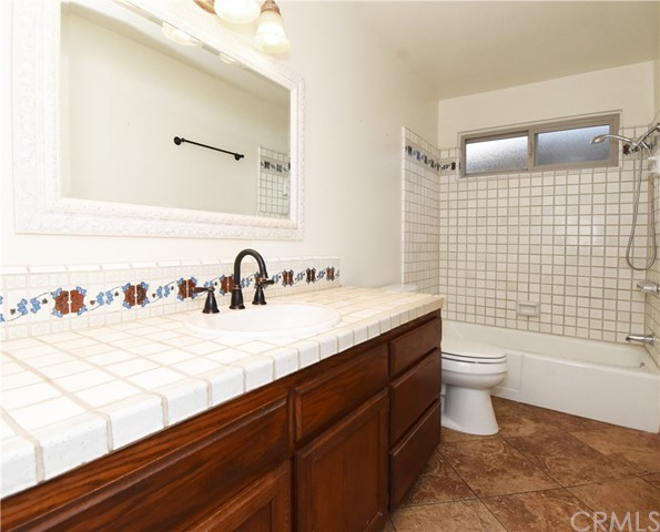 1128 20th Place, Hermosa Beach, California 90254, 3 Bedrooms Bedrooms, ,2 BathroomsBathrooms,For Sale,20th,SB20231384