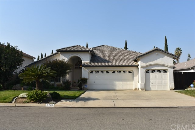 8261 N Backer Avenue, Fresno, CA 93720