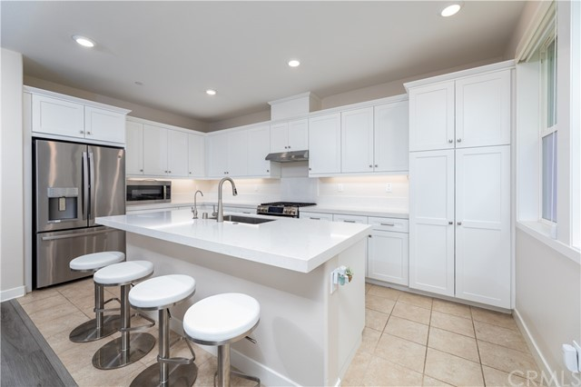 5. 235 Siena Lake Forest, CA 92630