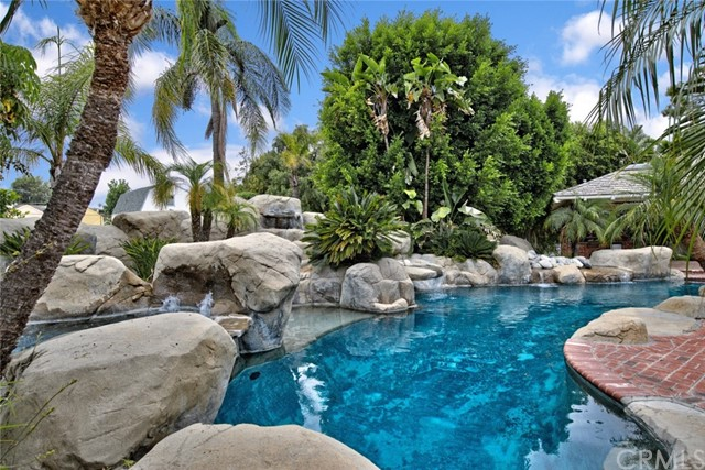 5505 Summerwood Lane, Yorba Linda, CA 92886