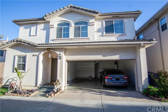 1814 Junipero Avenue, Signal Hill, CA 90755