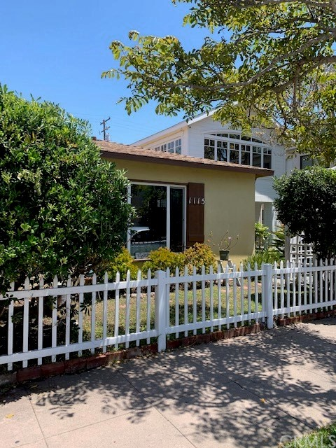 1115 Ocean Avenue, Seal Beach, CA 90740