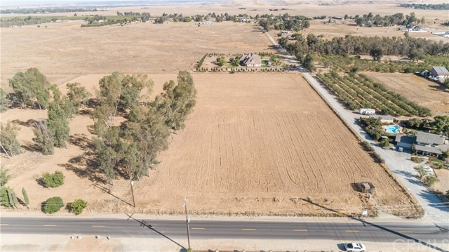 4890 E Copper Avenue, Clovis, CA 93619