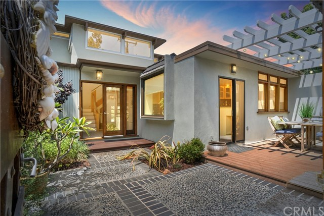 2410 Laurel Avenue, Manhattan Beach, California 90266, 4 Bedrooms Bedrooms, ,2 BathroomsBathrooms,For Sale,Laurel,SB17251068