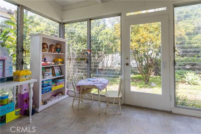 1023 1st Street, Manhattan Beach, California 90266, 2 Bedrooms Bedrooms, ,1 BathroomBathrooms,For Sale,1st,SB21061855