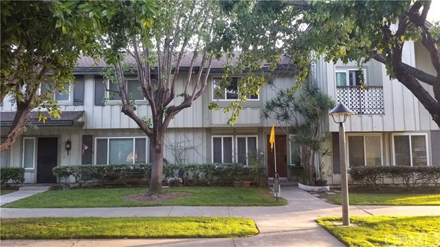 9704 Karmont Avenue, South Gate, CA 90280