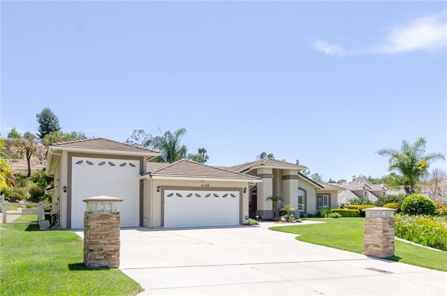 31199 Kahwea Rd, Temecula, CA 92591 Photo 2