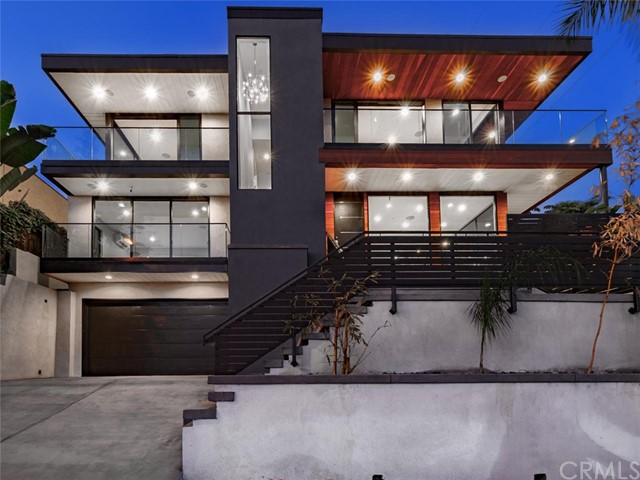 Spectacular modern ocean view home conveniently located, with very quick access to freeways and coastal back roads. Perched high above the main thoroughfare of Pacific Beach, You get direct access to La Jolla, Mission Beach, Downtown San Diego, and all the main freeways. Newly built in 2017 with heavily insulated glass walls and doors to eliminate outside noise yet still allows an amazing ocean view. The vertical modern design ensures that nobody will block your view in the future. The home has a great baSpectacular modern ocean view home conveniently located, with very quick access to freeways and coastal back roads. Perched high above the main thoroughfare of Pacific Beach, You get direct access to La Jolla, Mission Beach, Downtown San Diego, and all the main freeways. Newly built in 2017 with heavily insulated glass walls and doors to eliminate outside noise yet still allows an amazing ocean view. The vertical modern design ensures that nobody will block your view in the future. The home has a great back yard, very hard to find in a view home. Your kids and pets will love it. With nearly 1,000 square feet of decking, this almost 3,000 square foot home will live more like a 3,500 square foot home, incorporating indoor/outdoor living at its finest. Don't let this opportunity pass you by, now is the time to make a move on this great investment and call it home, or vacation rent and make a killing.