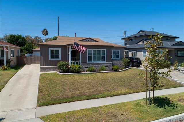 4145 Hackett Avenue, Lakewood, CA 90713