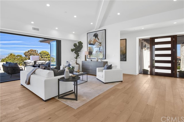 15. 905 Via Del Monte Palos Verdes Estates, CA 90274