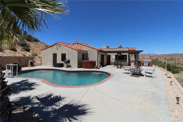 55411 Skyline Ranch Road, Pioneertown, CA 92268