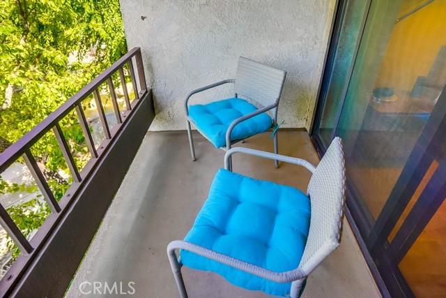 44. 8711 Falmouth Avenue #110 Playa del Rey, CA 90293