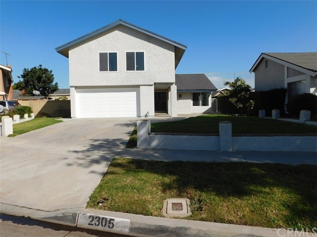 2305 W San Lorenzo Avenue, Santa Ana, CA 92704