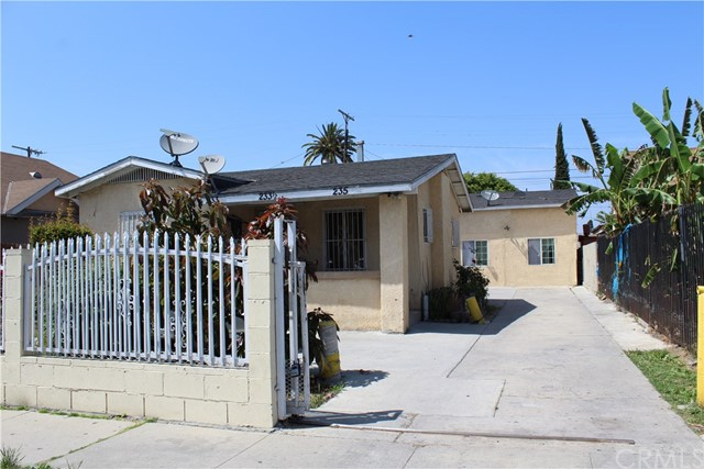 233 W 88th Place, Los Angeles, CA 90003