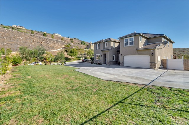 16483 Village Meadow Drive, Riverside, CA 92503