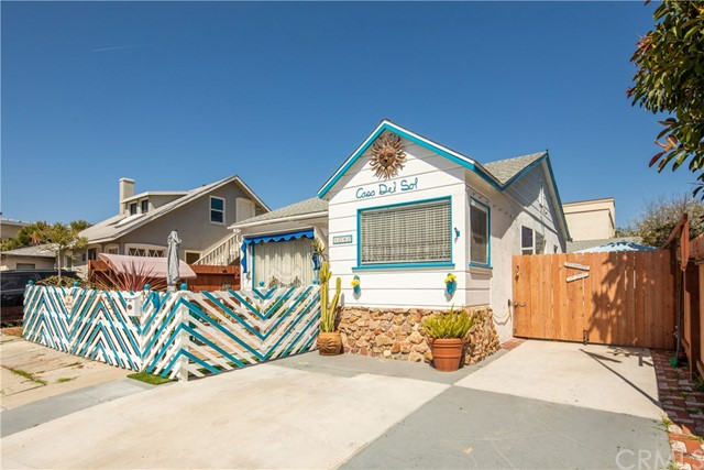 1040 Loma Drive, Hermosa Beach, CA 90254